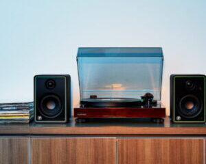 Mackie-CR8-XBT-Monitor-Studio-Immagine-principale-300x300