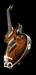 chitarrista con elementi acustici fotografici (2)