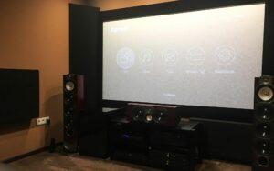 design acustico per home theater con assorbitore di spigoli angolari