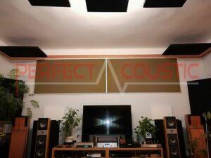 pannello acustico posizionato sul soffitto della sala cinema (3)
